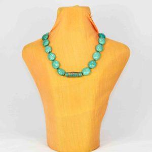 Collar de turquesa reconstituida