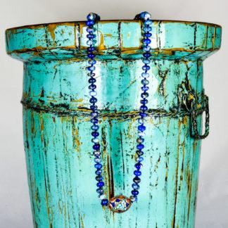 Collar de lapislázuli con pieza nepalí