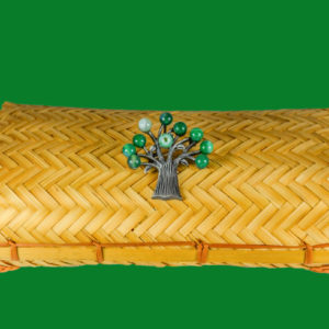 Colgante y broche verde
