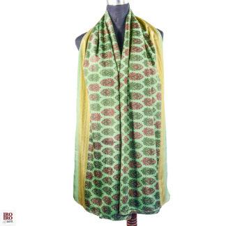 pañuelo estampado verde y rojo