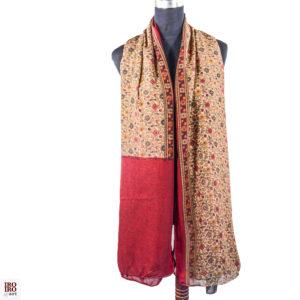 Pañuelo estampado rojo oscuro y beige con florecitas