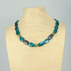Collar de ágatas turquesas y piezas nepalíes 01 iroiroart.com