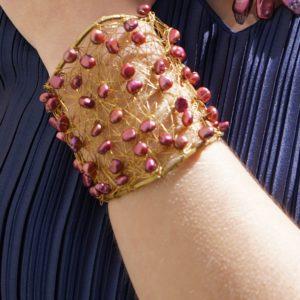 Pulsera perlas naturales rojo oscuro 01 iroiroart.com