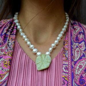 Collar perlas y colgante de jade