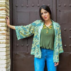 Img-kimono-de-seda-amarilla-flores-verdes-01-iroiroart.jpeg